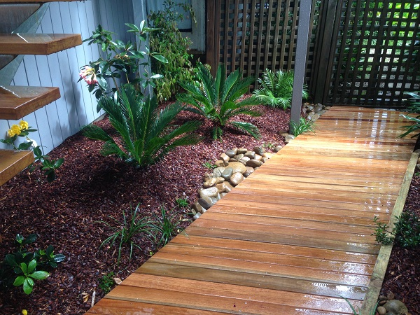 Tropical courtyard garden design northern beaches sydney for Tropical courtyard garden design
