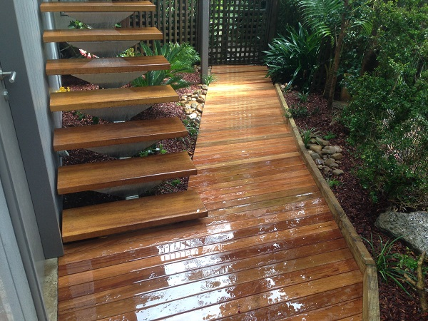 timber boardwalk courtyard garden